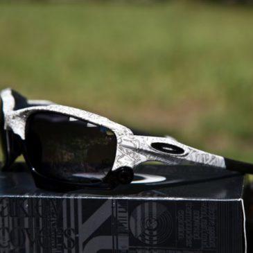 Обзор очков Oakley Racing Jacket и Holbrook.