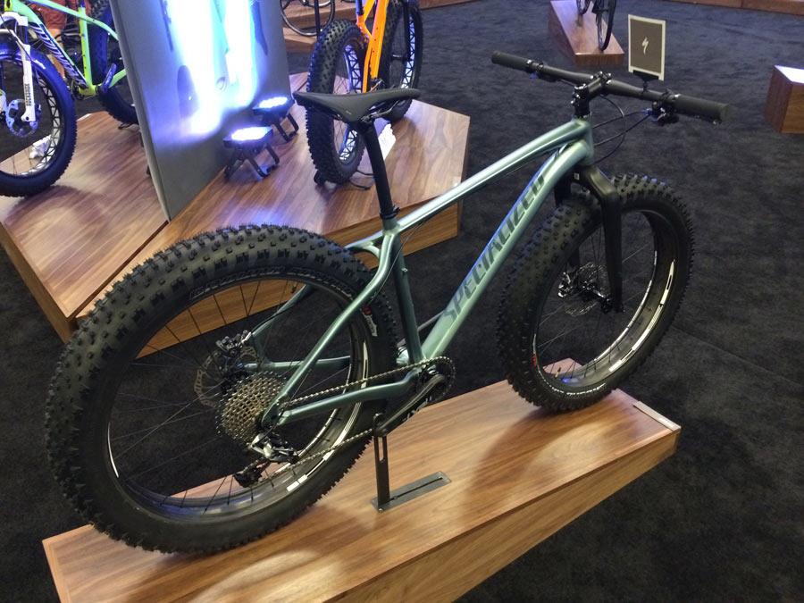2015-specialized-fatboy-expert-fat-bike-mountain-bike01